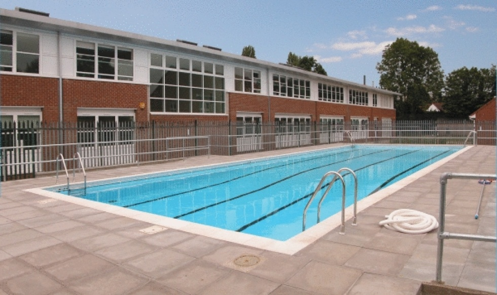 School swimming pool servicing showcase london swimming for Pool design education