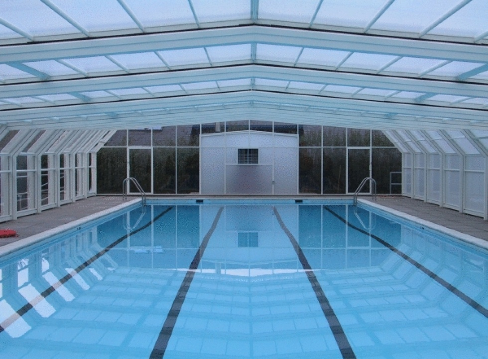 School swimming pool servicing showcase london swimming for Pool showcase