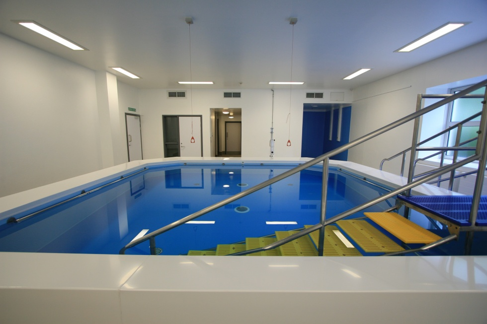 Hospitals swimming pools showcase lspc - Best indoor swimming pools in london ...