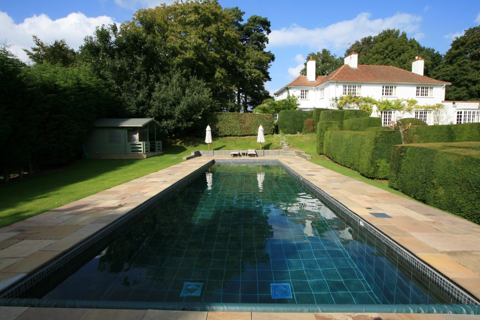 Outdoor swimming pool servicing showcase london swimming pool company london uk for Outdoor swimming pools in england