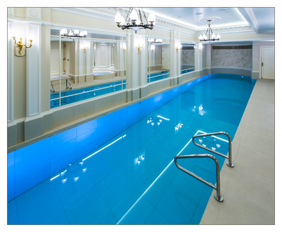Swimming pool moving floors showcase lspc for Pool showcase