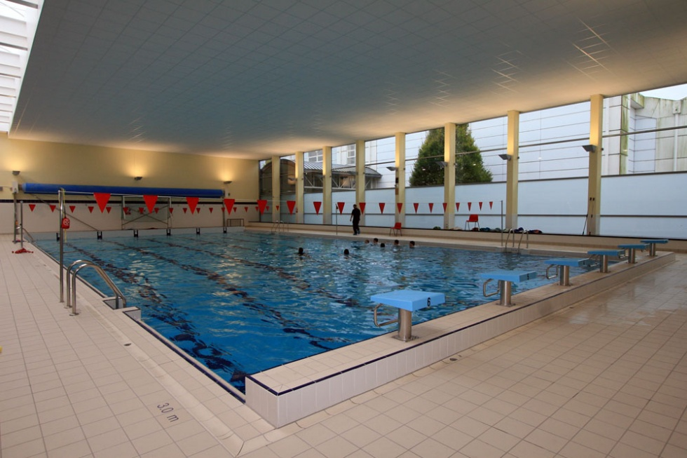 School swimming pools showcase lspc for Pool showcase