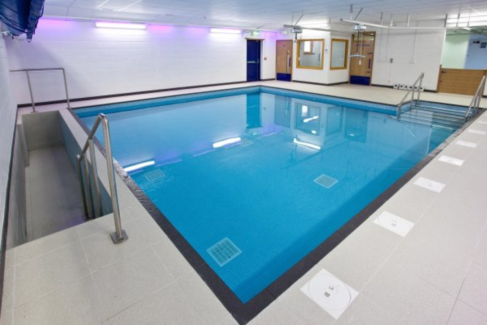 Hydrotherapy pools showcase lspc for Pool showcase