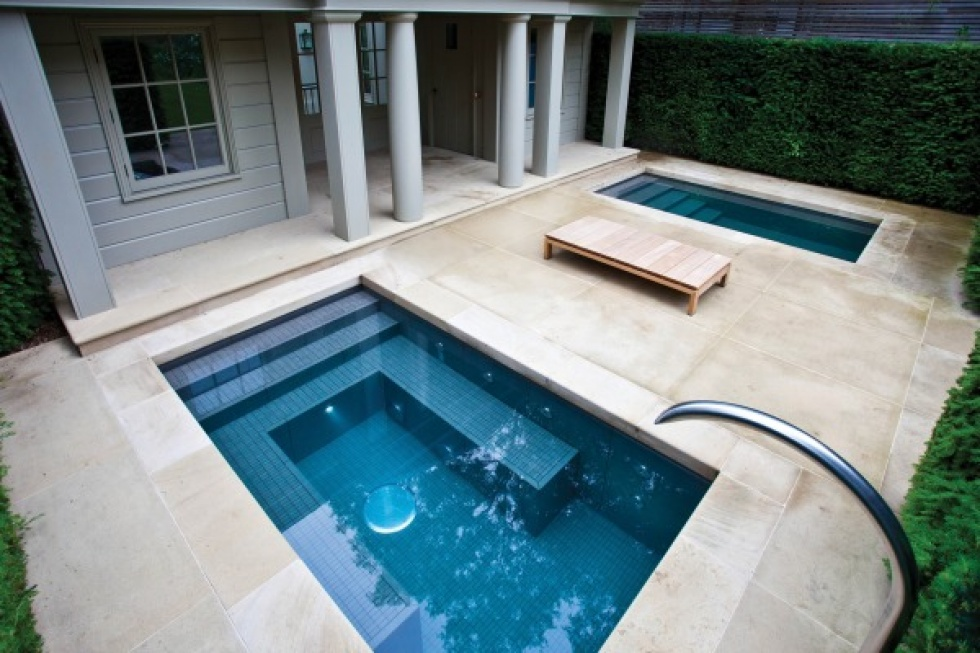 Outdoor swimming pool servicing showcase london swimming for Pool design london ontario