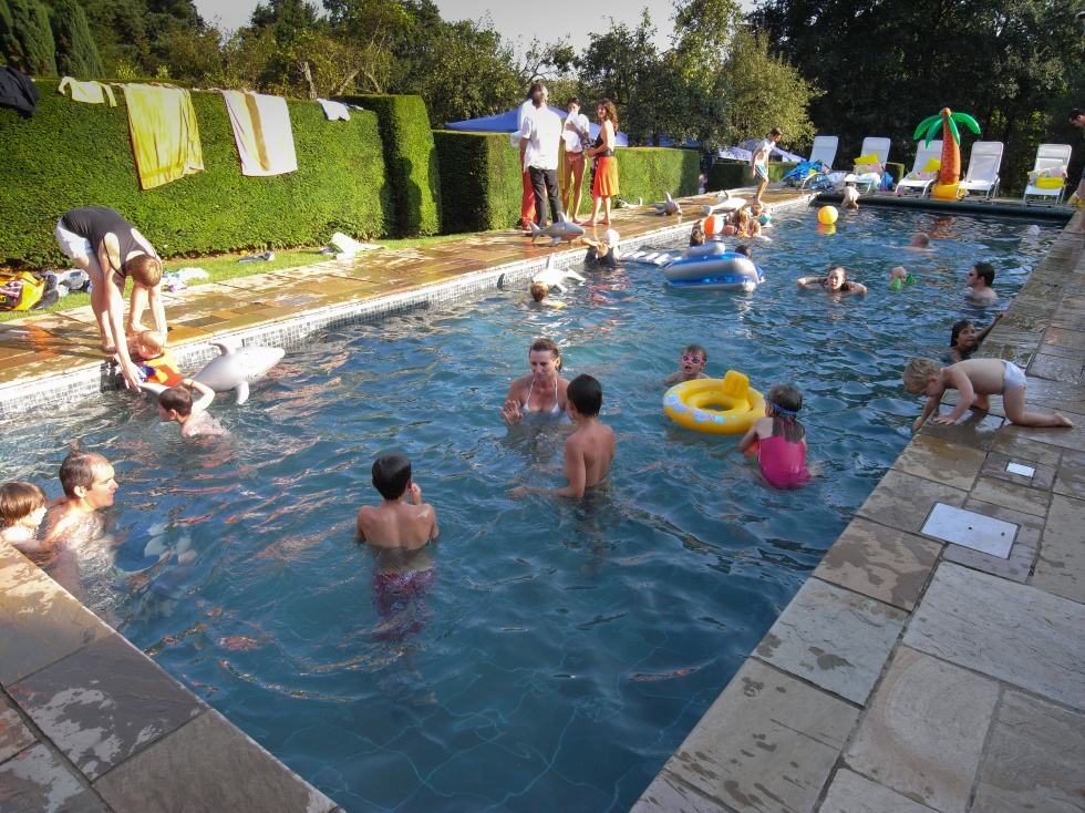 outdoor swimming pool servicing showcase london swimming. Black Bedroom Furniture Sets. Home Design Ideas