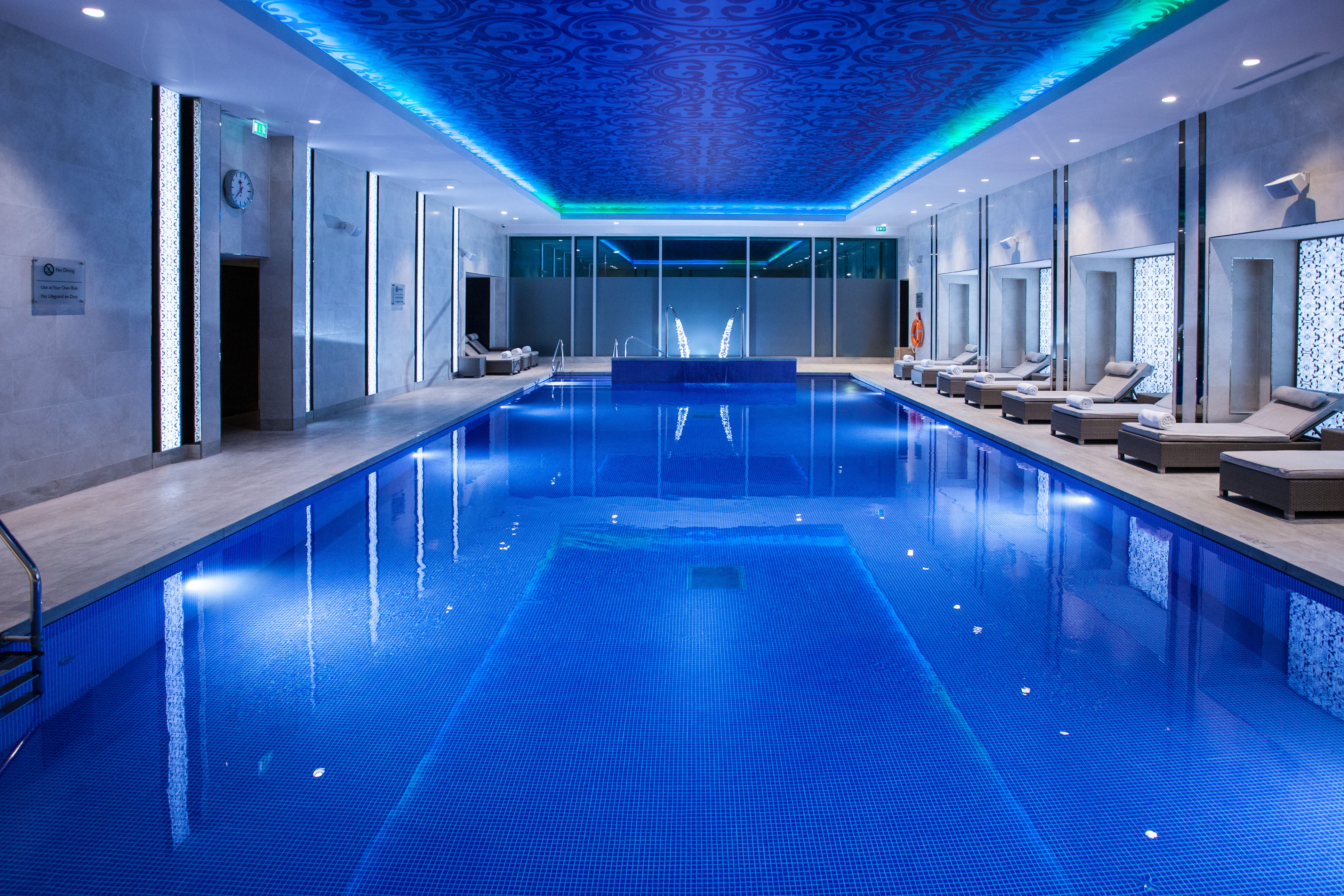 Bumper awards night swimming pool design and installation news lspc for Late night swimming pools london